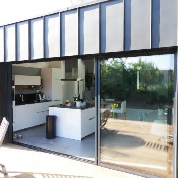 Rénovation maison avec extension zinc et terrasse bois, à Angers 15