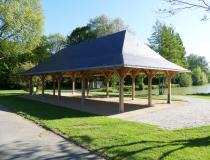 Construction d'une halle couverte ouverte en Mayenne